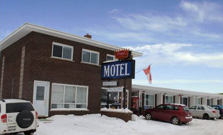 Regal Motel - Accommodations